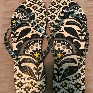 Vera Bradley flip flops/ slippers